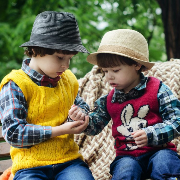 Teaching Toddlers to Share With Siblings & Friends