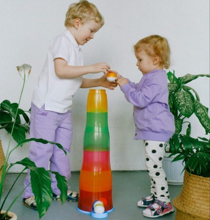 Teaching Toddlers To Share With Siblings